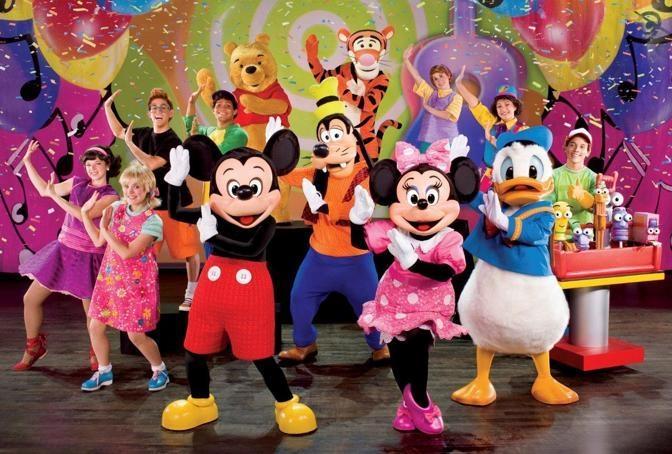 Al Centro commerciale 'I Girasoli' la Parata Disney