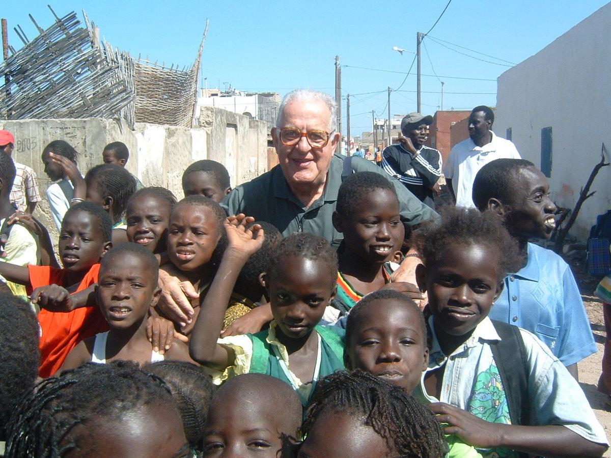 Una serata benefica per ricordare Padre Arturo Buresti