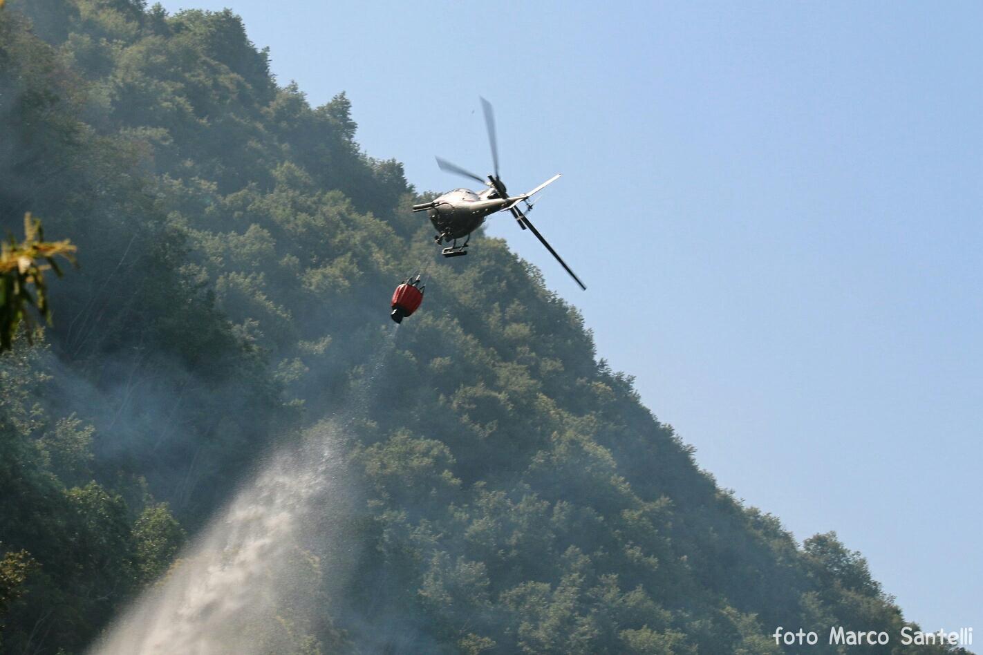 Incendio a Teverina, bruciati 2 ettari di bosco
