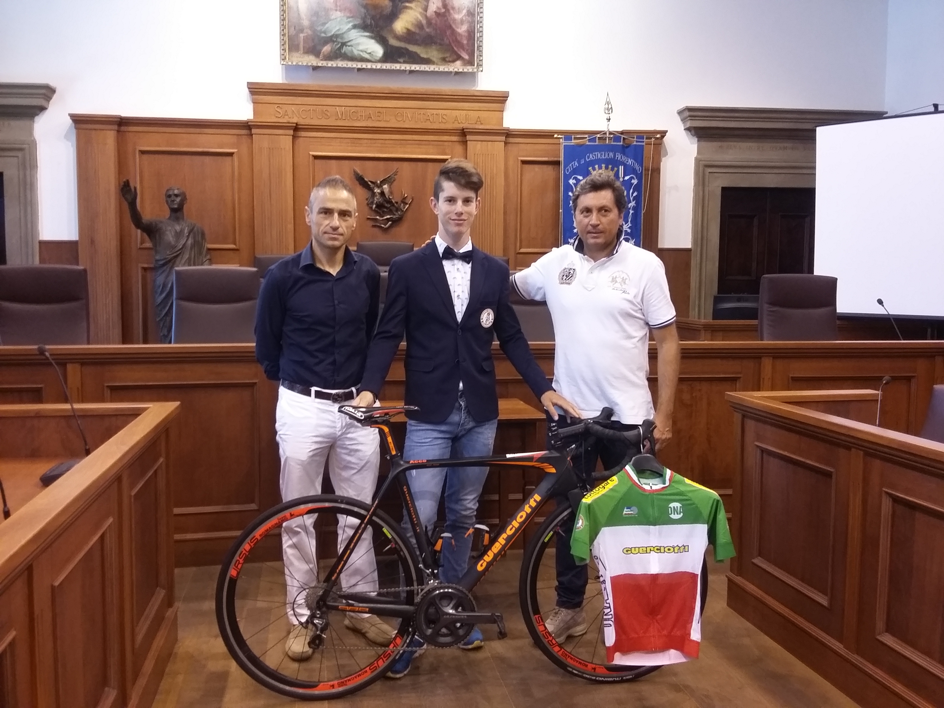 Alessio Acco, campione italiano di ciclismo juniores, ricevuto in Comune