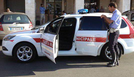 Guida senza patente, fermato e denunciato dalla Polizia Municipale