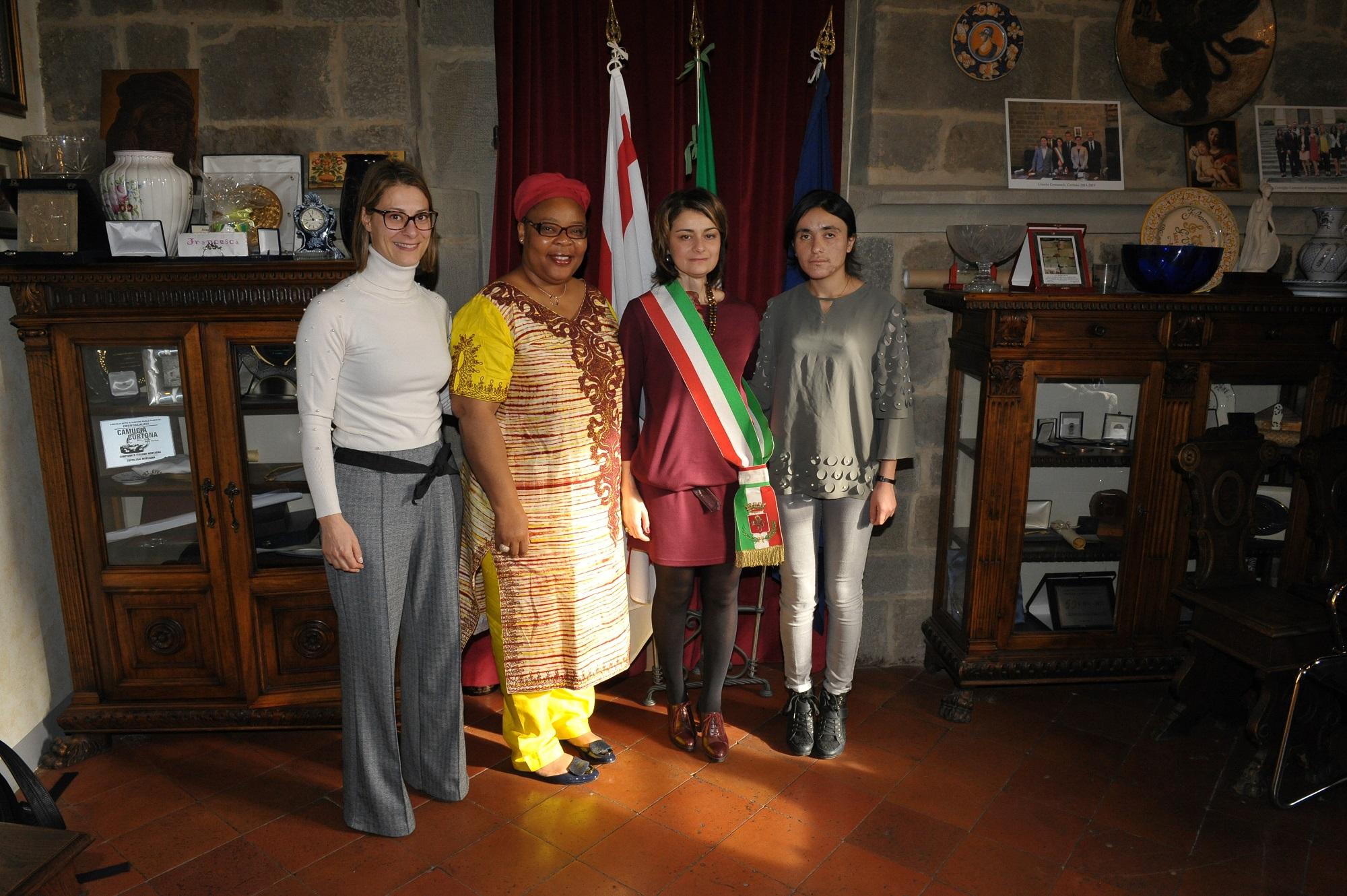 Incontro tra il Sindaco di Cortona, Leymah Gbowee Premio Nobel per la Pace 2011 e Lamya Haji Bashar Premio Sakharov per la libertà  di pensiero