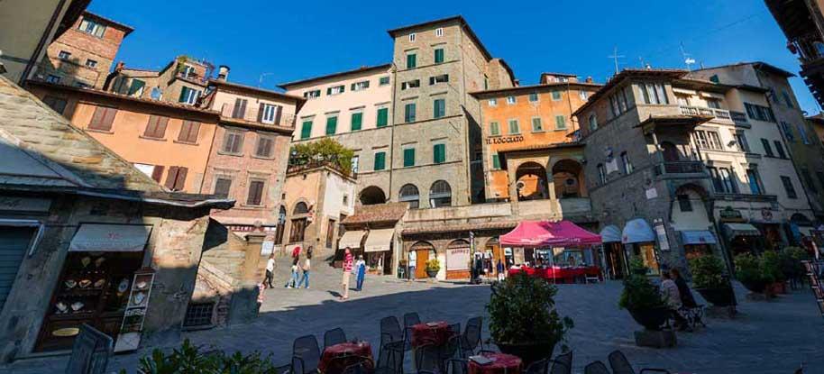 Cortona, lavori in corso per la stagione turistica: cosa cambia e cosa resta