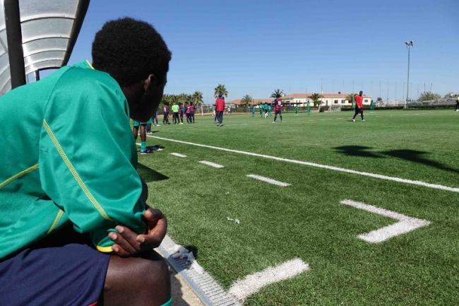 Migranti e GS Pergo in campo per l'integrazione: mercoledì una partita speciale
