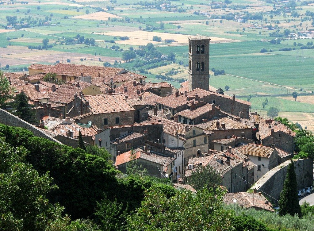 Ritiro dei sacchetti per la differenziata, comunicazione del Comune per il Centro storico di Cortona