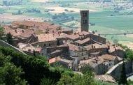 Ridiamo una mano di rosso a Cortona e alla Toscana