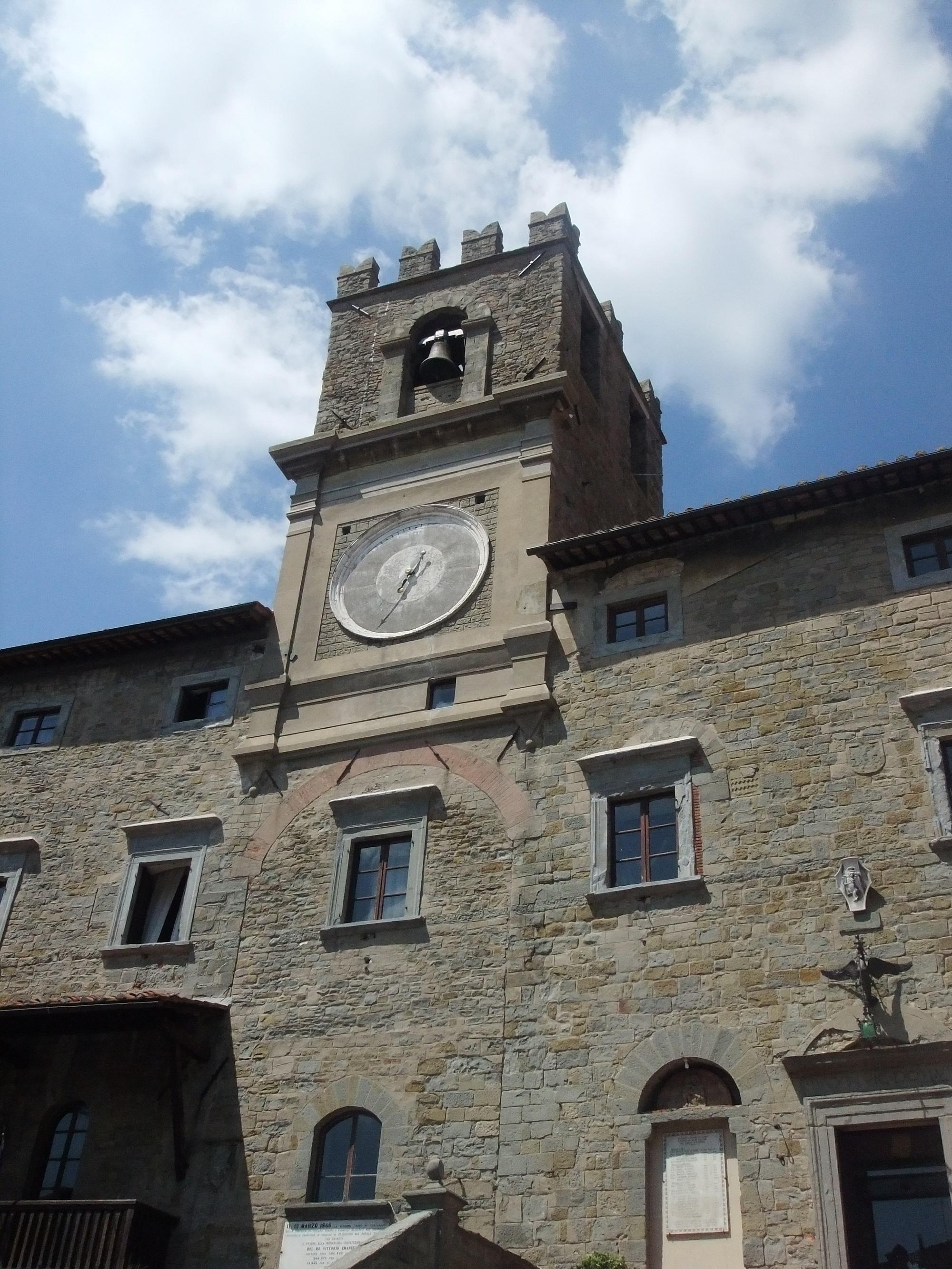 Privato e pubblico in sinergia per la sistemazione dell'orologio del Palazzo Comunale di Cortona