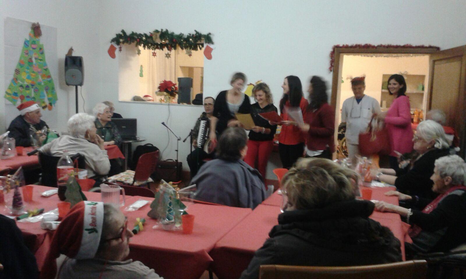 Il Natale dell'Auser di Lucignano, solidarietà fatta di azioni concrete