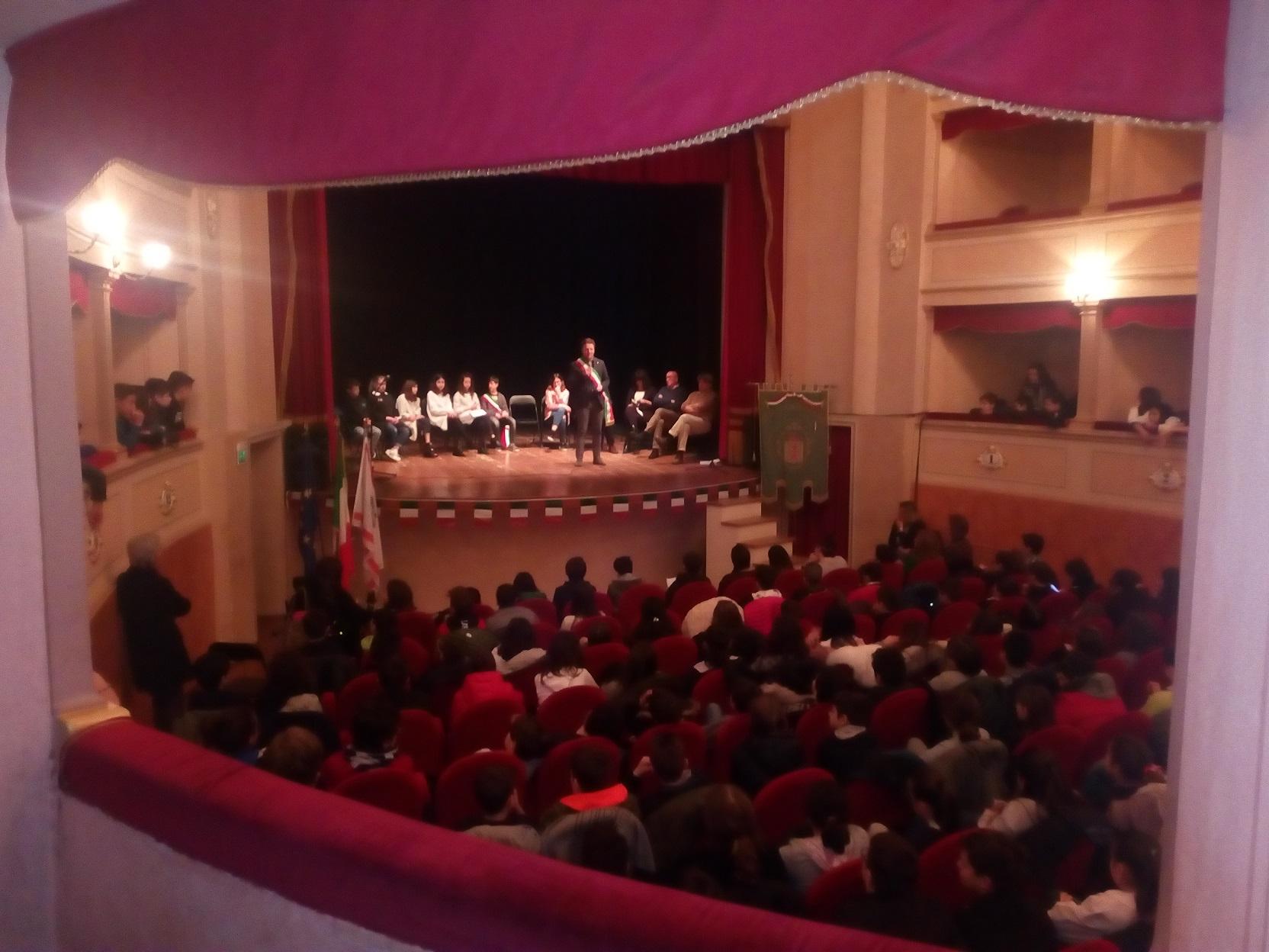Monte San Savino: gli alunni si confrontano con gli Amministratori
