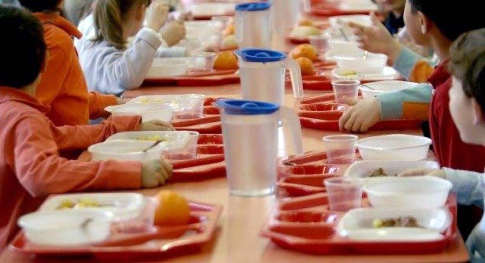 Mense Aperte: a Monte San Savino i genitori mangiano insieme ai figli