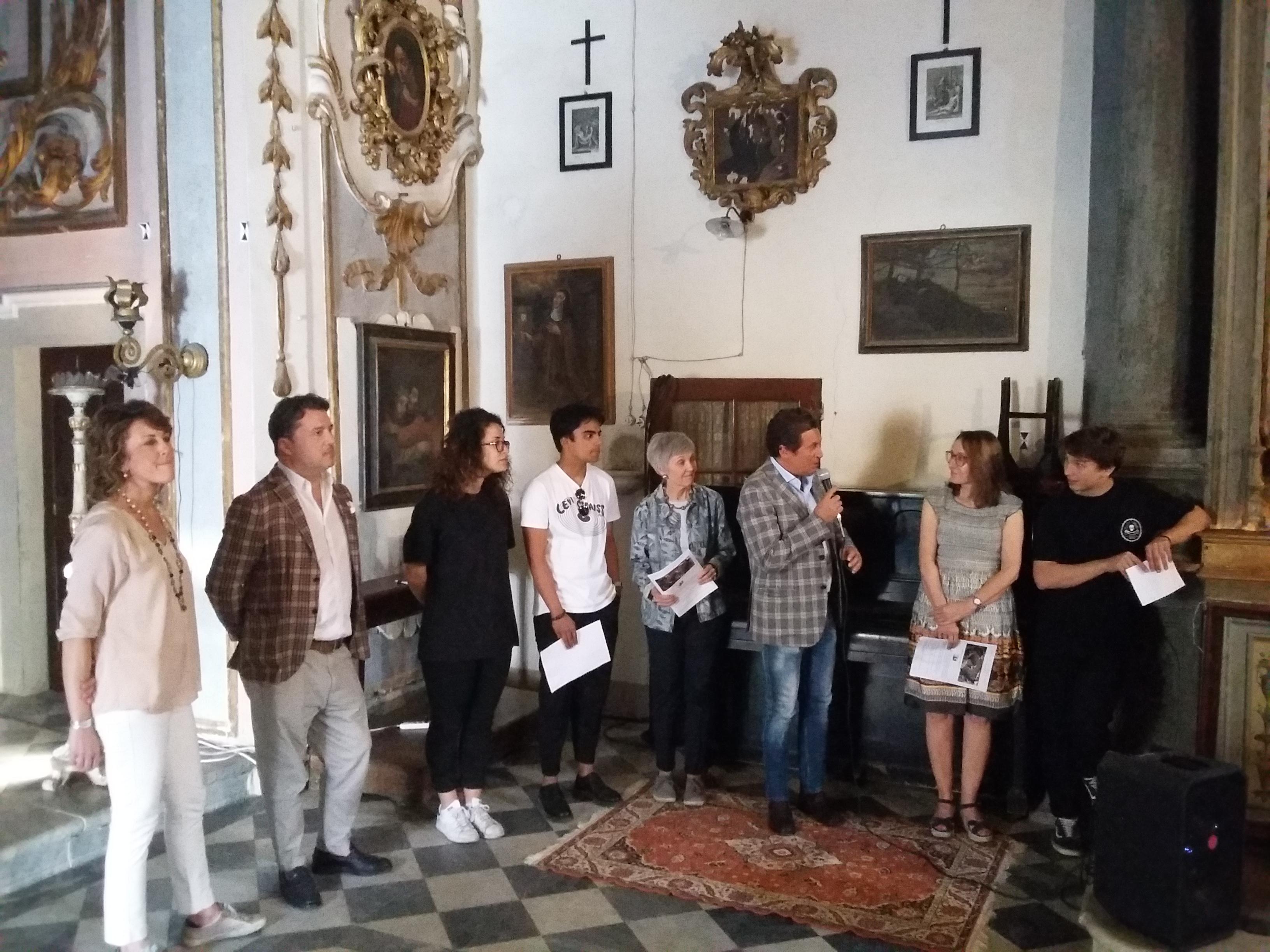 """""""The Bussola Project"""": una porta di vetro consentirà di ammirare la Chiesa di Santa Chiara"""