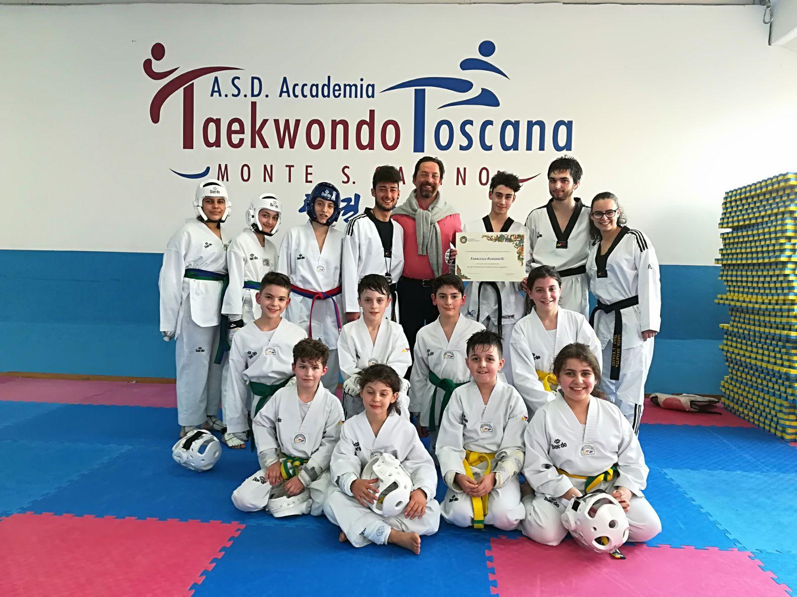 Una pergamena del Comune di Monte San Savino per Francesco Romanelli e l'Accademia Teakwondo
