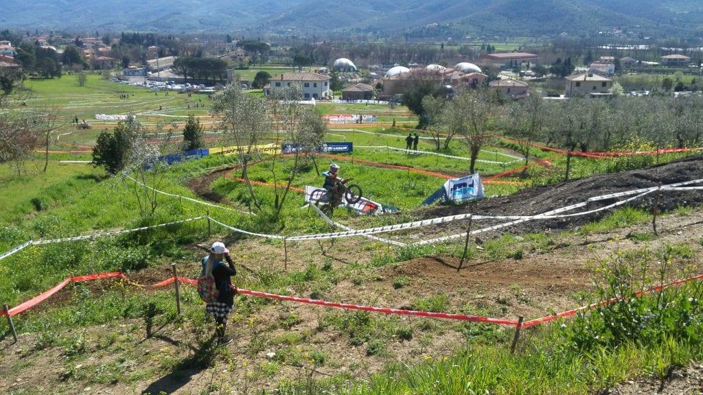 Campionati Italiano Enduro a Castiglion Fiorentino: cronaca della prima giornata