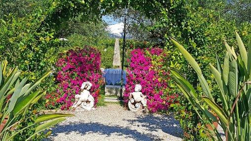 Fioriscono i bellissimi giardini di Verona e Villa del Quar vi invita a visitarli