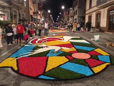 A Castelraimondo spettatori di una fiaba scritta con i fiori