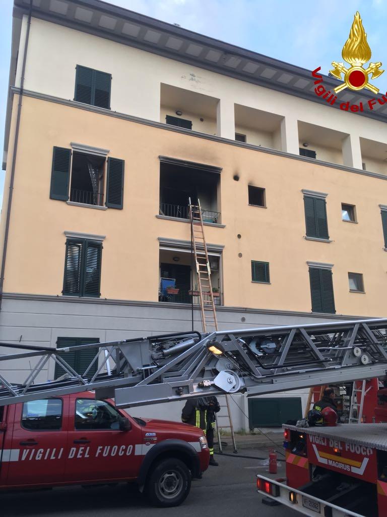 A fuoco appartamento a Castiglion Fiorentino, due intossicate