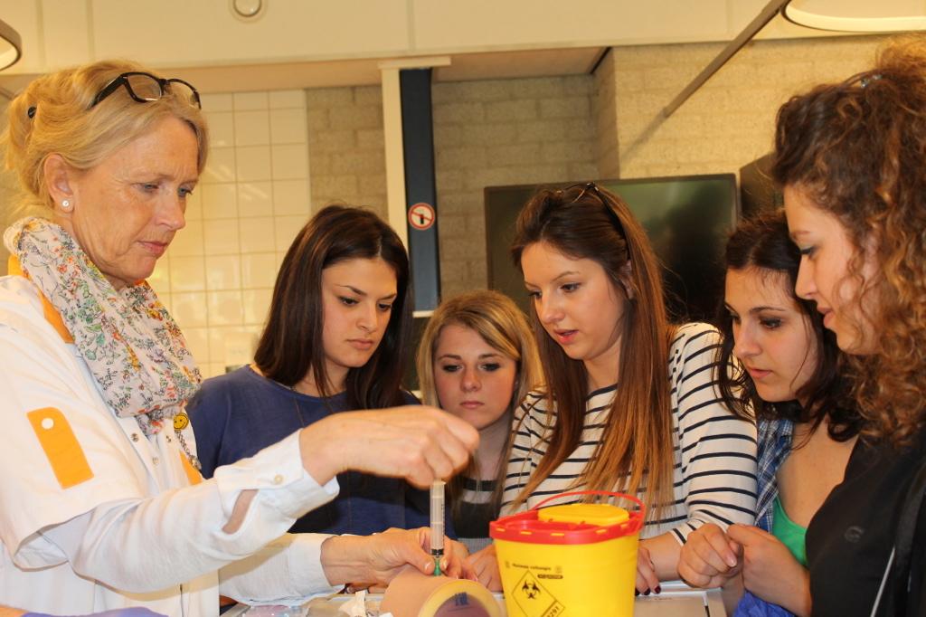 All'Istituto Signorelli il protocollo di intesa Scuola-Sanità toscana per la qualifica di OSS agli allievi del Professionale Sociosanitario