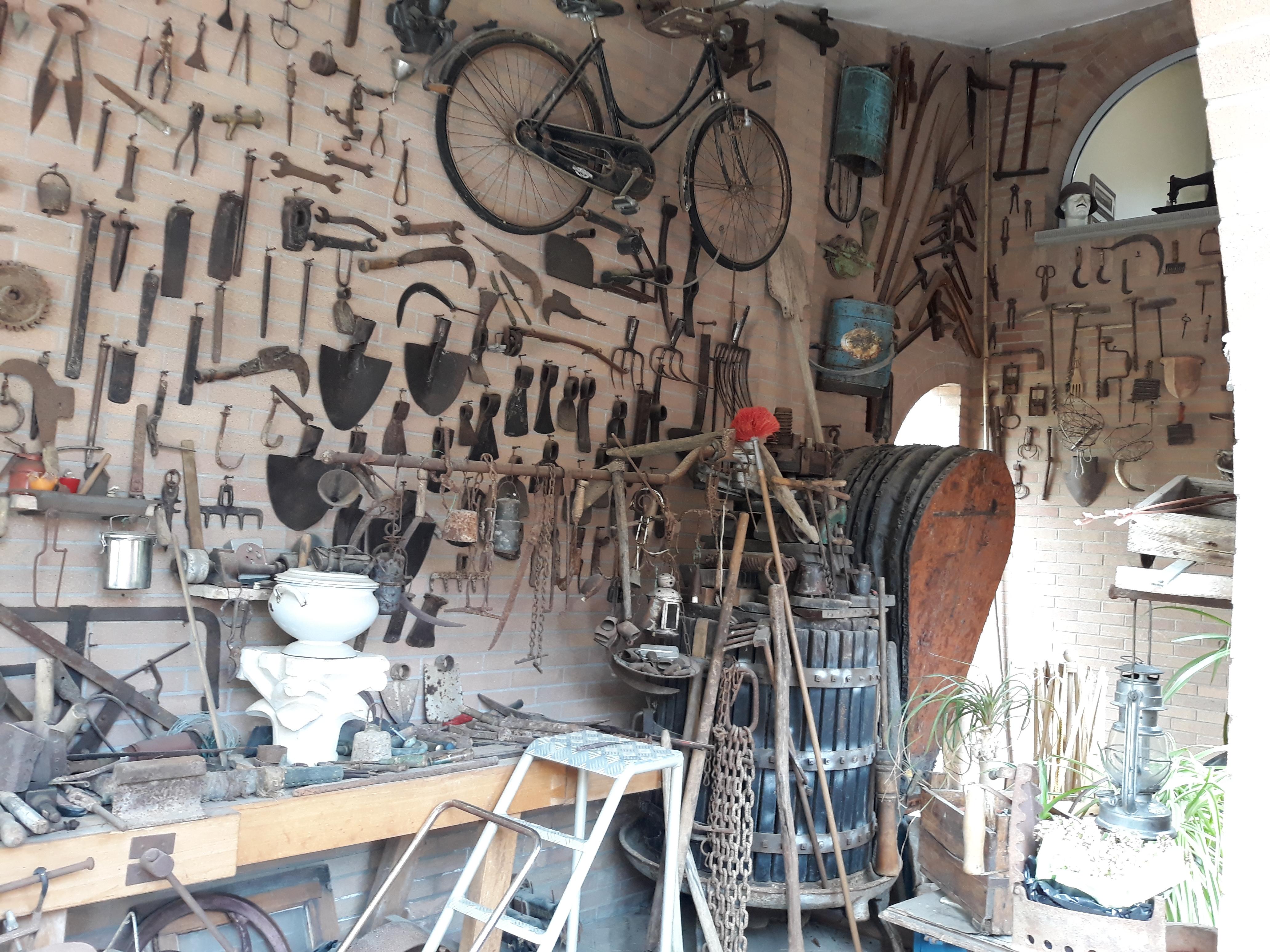 Felice Ragazzo: collezionista trovarobe, ispirato dal nonno contadino
