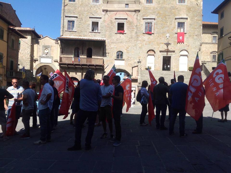 Summit sui rifiuti a Cortona: i Sindaci chiedono i danni e la stabilizzazione dei lavoratori SEI