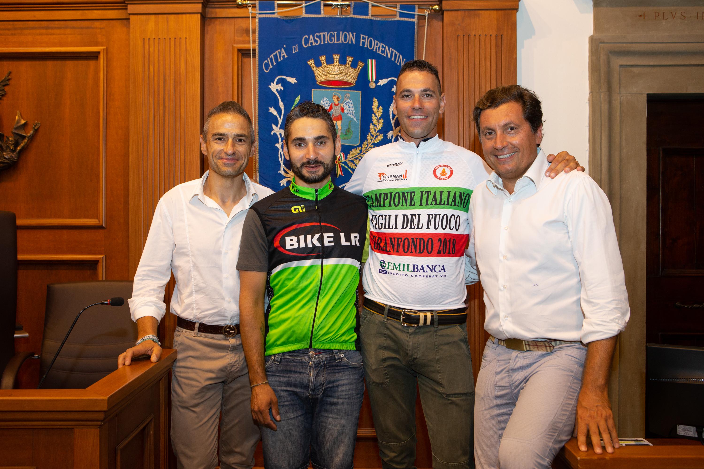 Riconoscimento ai ciclisti Perilli e Fabianelli
