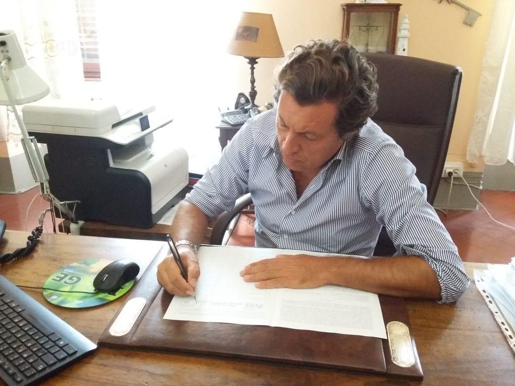 Sindaco Agnelli firma per reintrodurre l' educazione civica nelle scuole