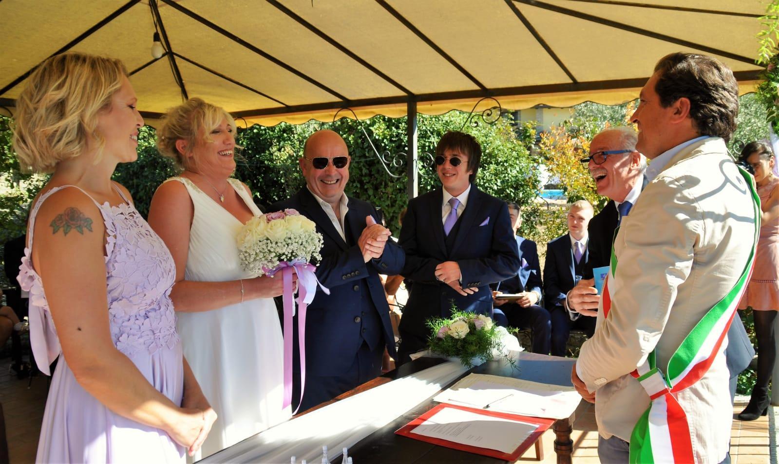 Matrimoni civili in strutture private, ancora aperto il bando