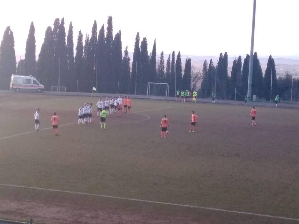 Cronache arancioni: un buon Cortona Camucia fa suo il match con la Castelnuovese.Nel finale, decide il giovane Crocini