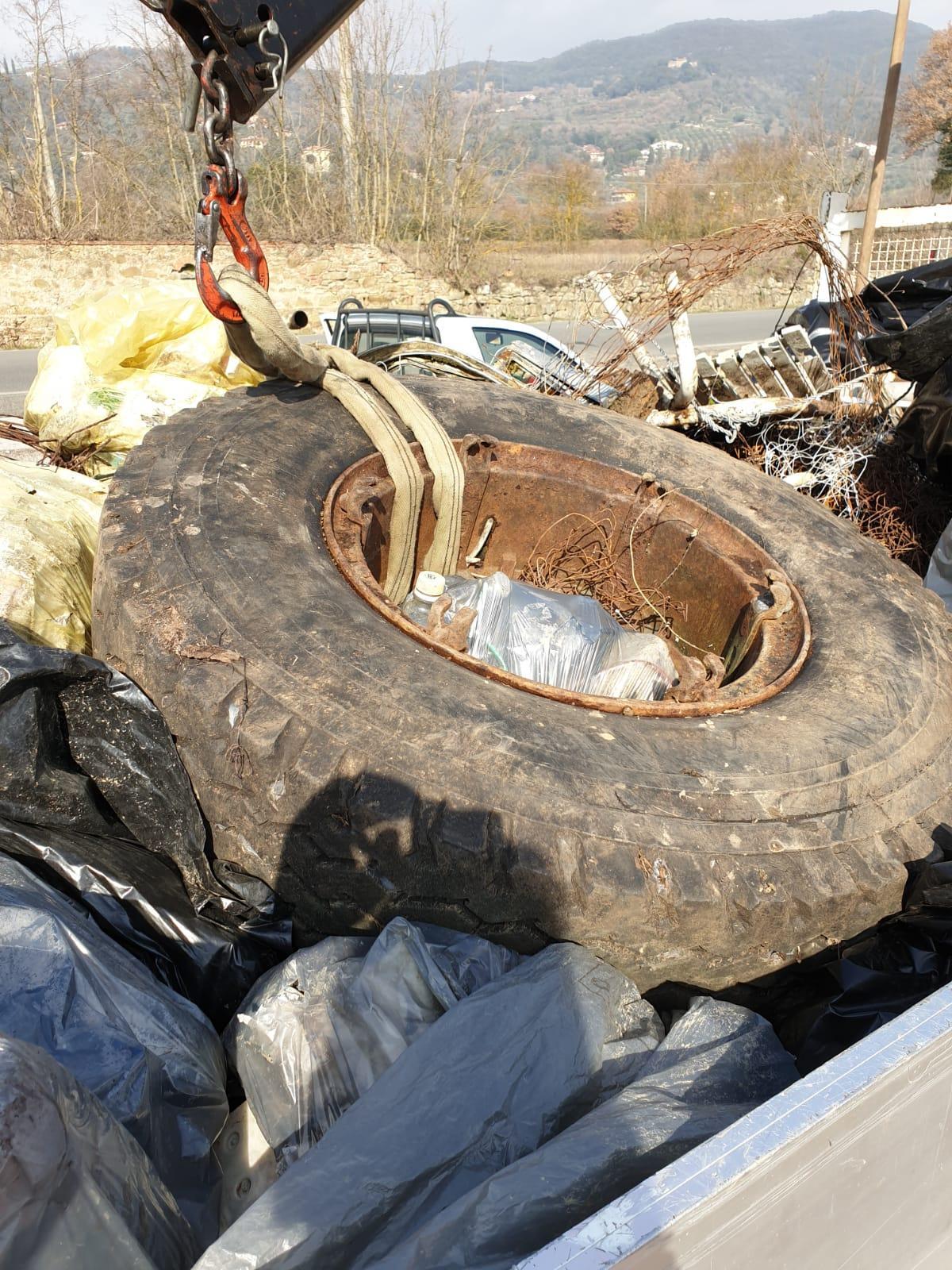 Il Vingone ripulito dai rifiuti nella giornata del Volontariato della VAB