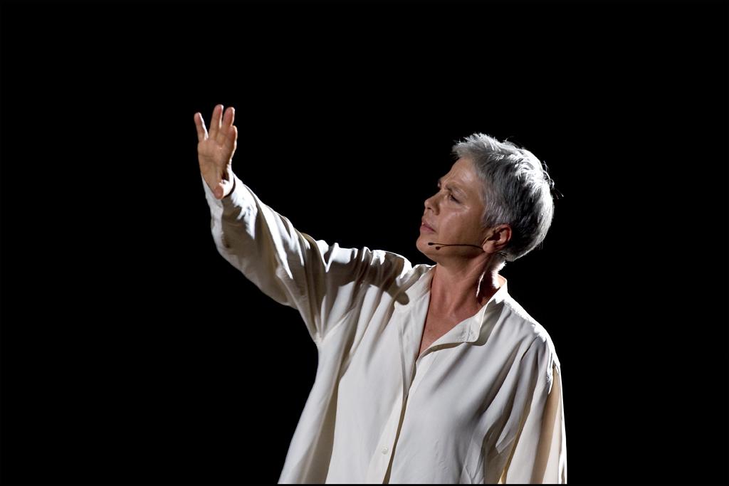 Ottavia Piccolo al Teatro Verdi con la sua donna non rieducabile