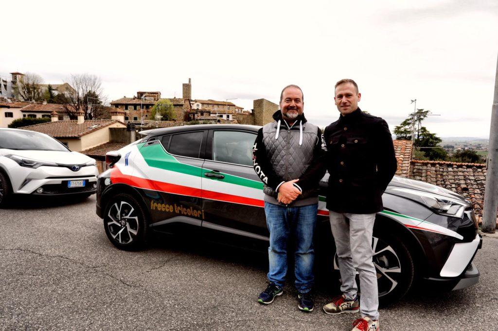 100 Toyota C-HR hanno sfrecciato per le strade di Castiglion Fiorentino.   Devoluti 600 euro alla Proloco di Campi di Norcia