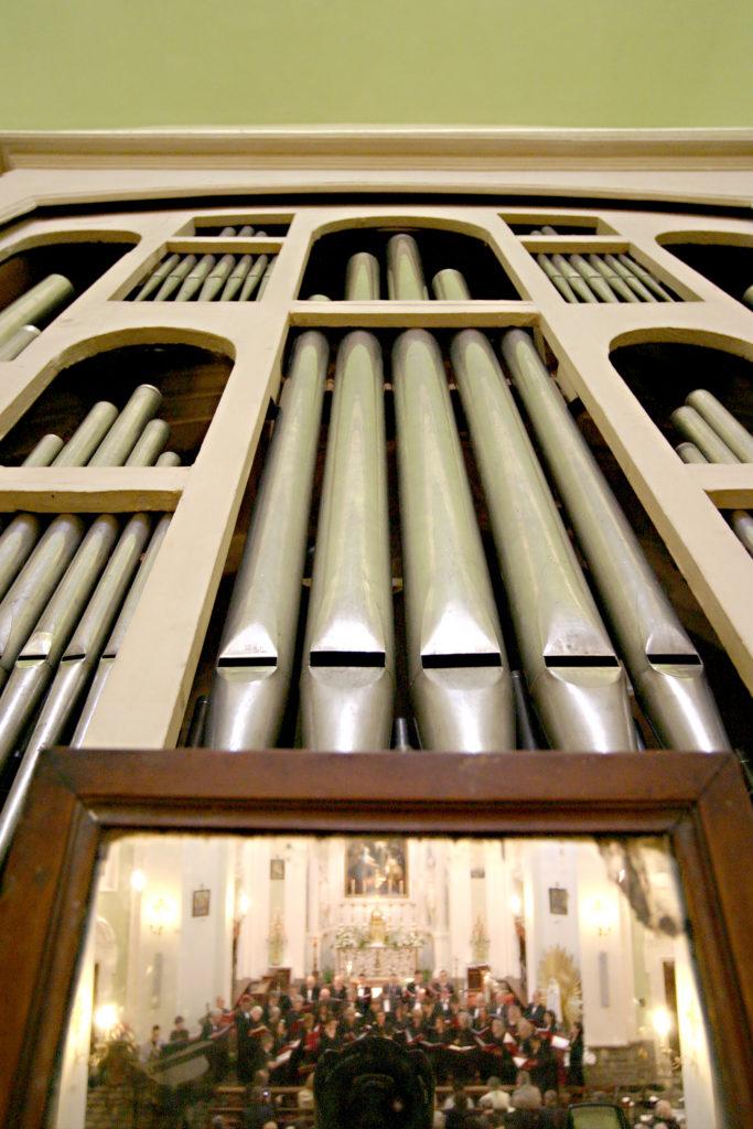 Via alla Rassegna musicale e organistica dell'Associazione Organi Storici. Primo appuntamento a San Filippo