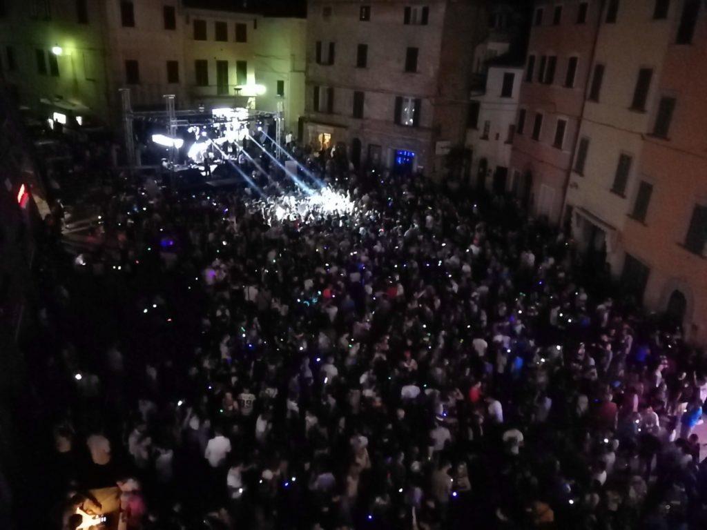 A Foiano la notte bianca del Carnevale con