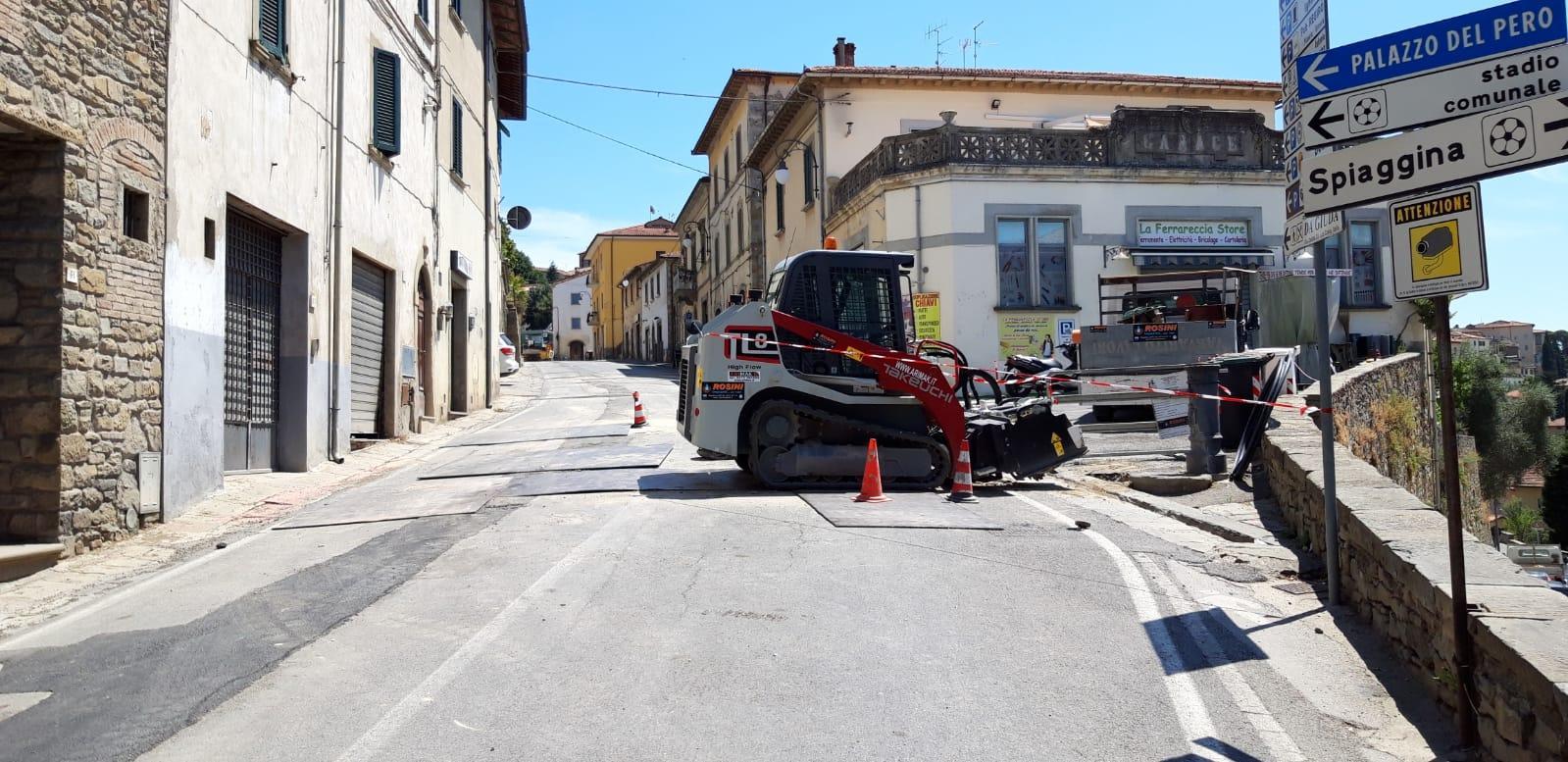 Terminati i lavori di Nuove Acque in Via Madonna del Rivaio