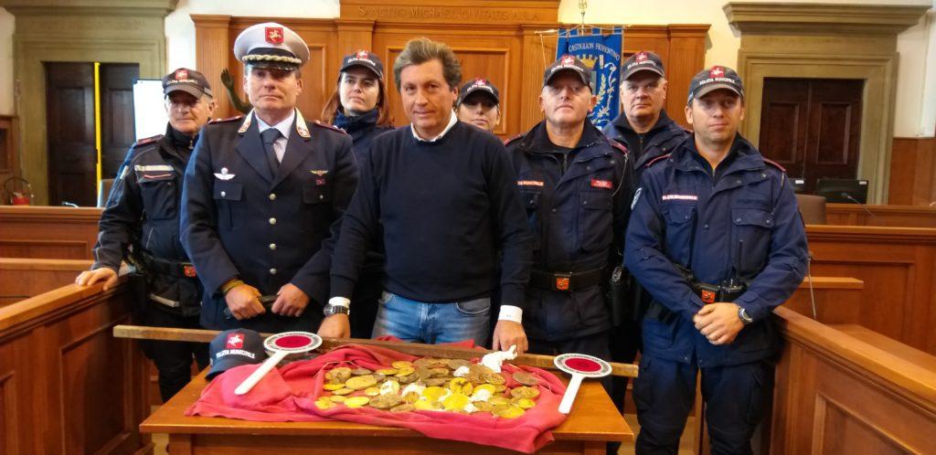 Solo 4 giorni d'indagine per individuare gli autori del furto ai danni del Sistema Museale Castiglionese. Recuperate le 61 medaglie