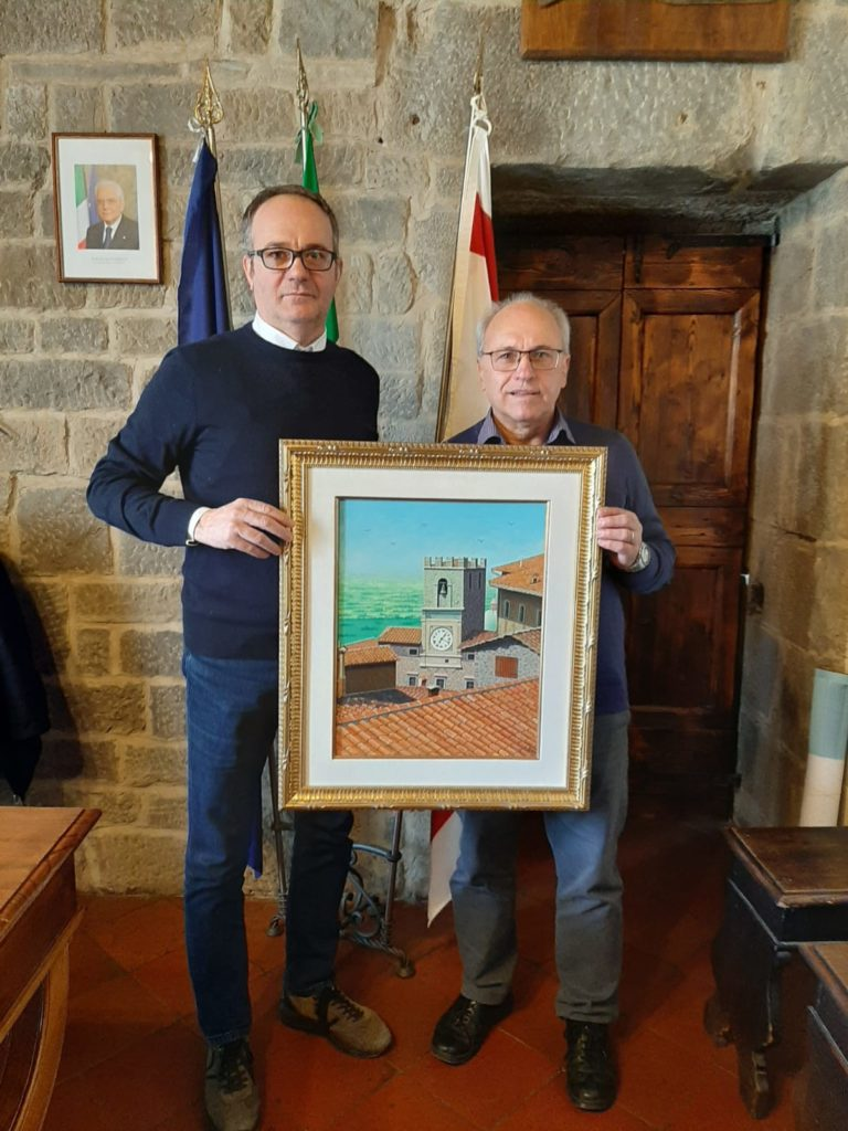 Il pittore Sergio Grilli dona un dipinto al Comune di Cortona