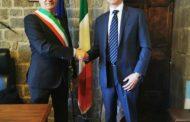 Il console degli Stati Uniti a Firenze in visita di cortesia a Cortona