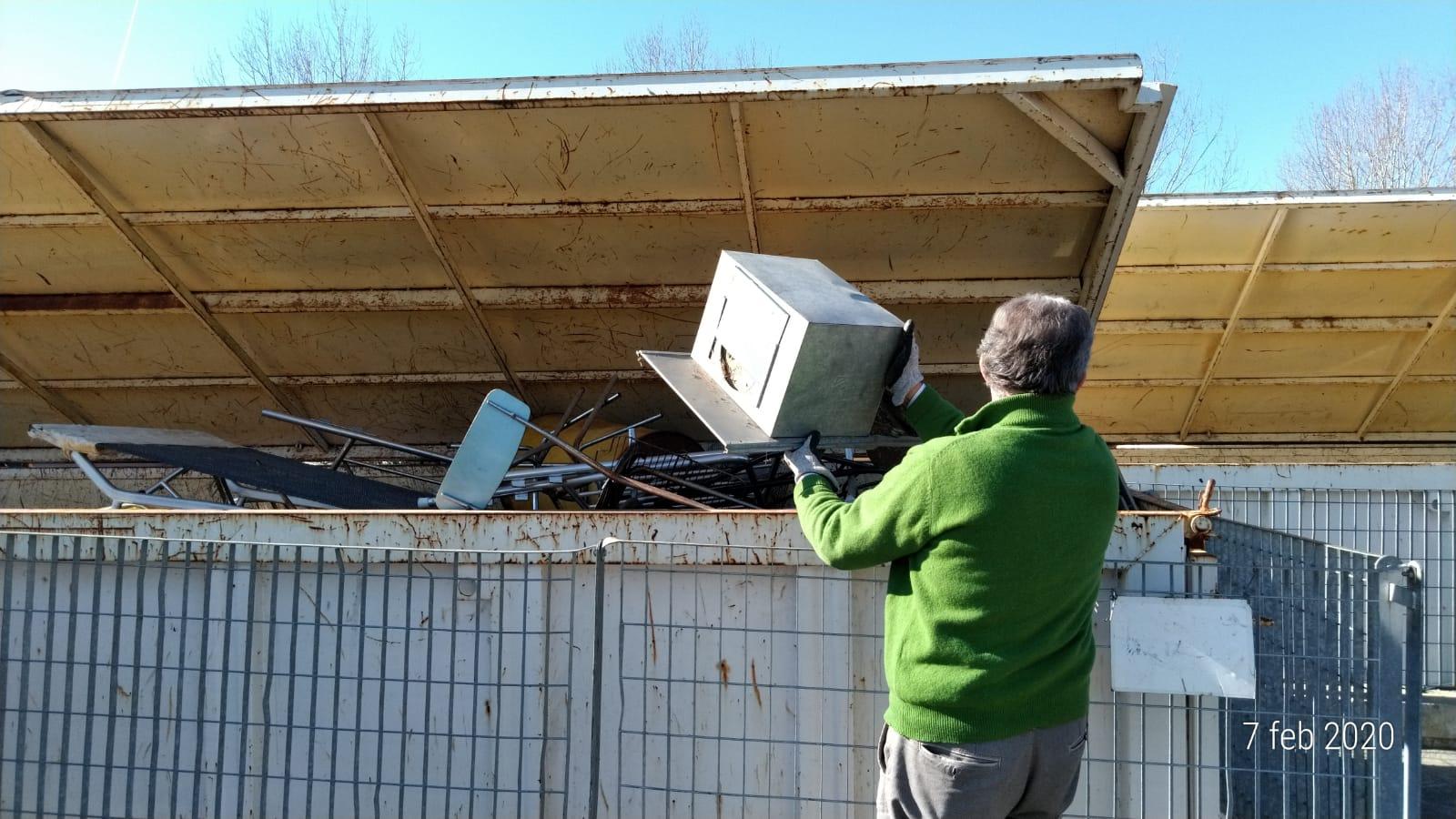Centro raccolta rifiuti, accessi raddoppiati con l'estensione dell'orario di apertura