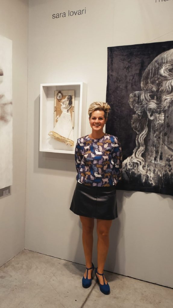 """""""Le regine di carta"""" di Sara Lovari. L'artista cortonese espone al Museo della Fraternita dei Laici"""