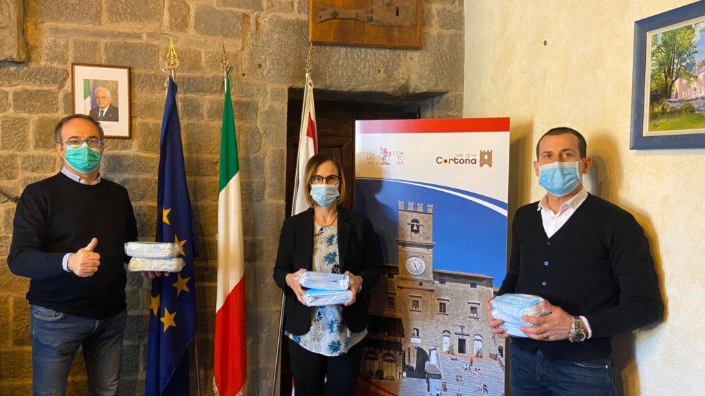 Seimila mascherine donate al Comune di Cortona