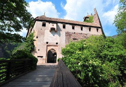 A Bolzano e dintorni la magia dei castelli