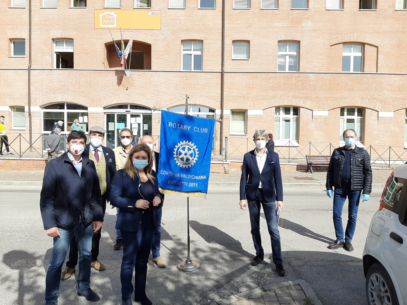 Rotary Club Cortona Valdichiana dona mascherine al Distretto Sanitario