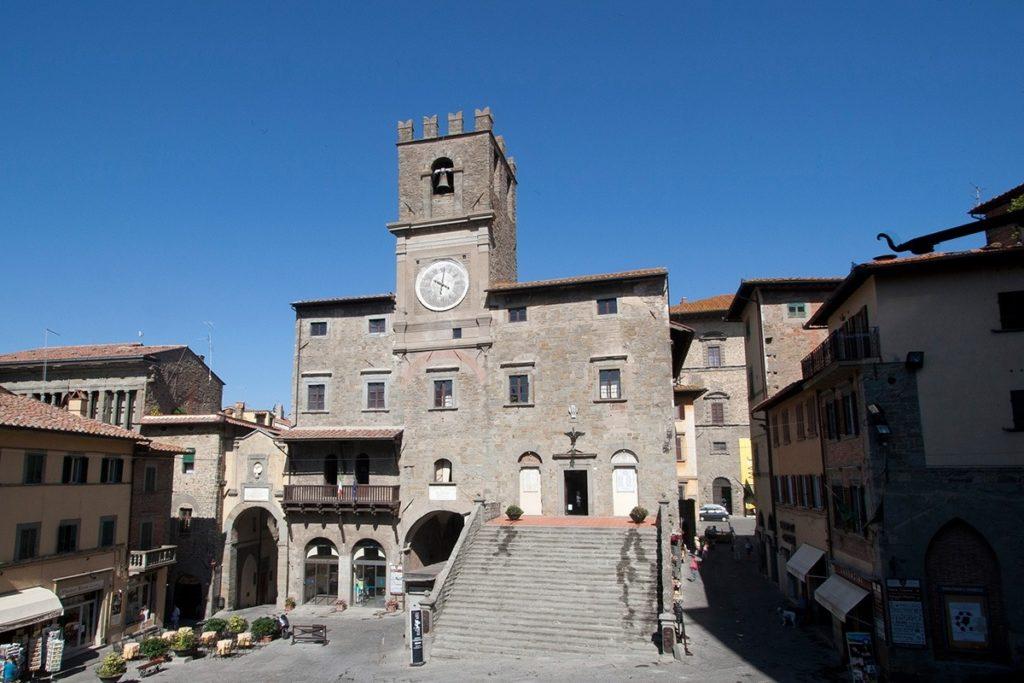 Cortona, la celebrazione del gemellaggio con Château-Chinon in collegamento «a distanza»