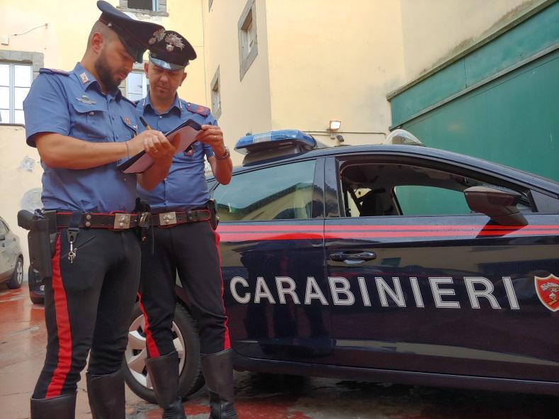 Tenta di sfuggire ai Carabinieri, fermato e arrestato