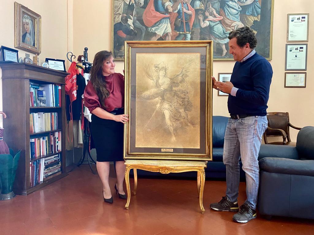 La storica dell'arte Francesca Robicci dona al Comune una sua opera raffigurante San Michele Arcangelo