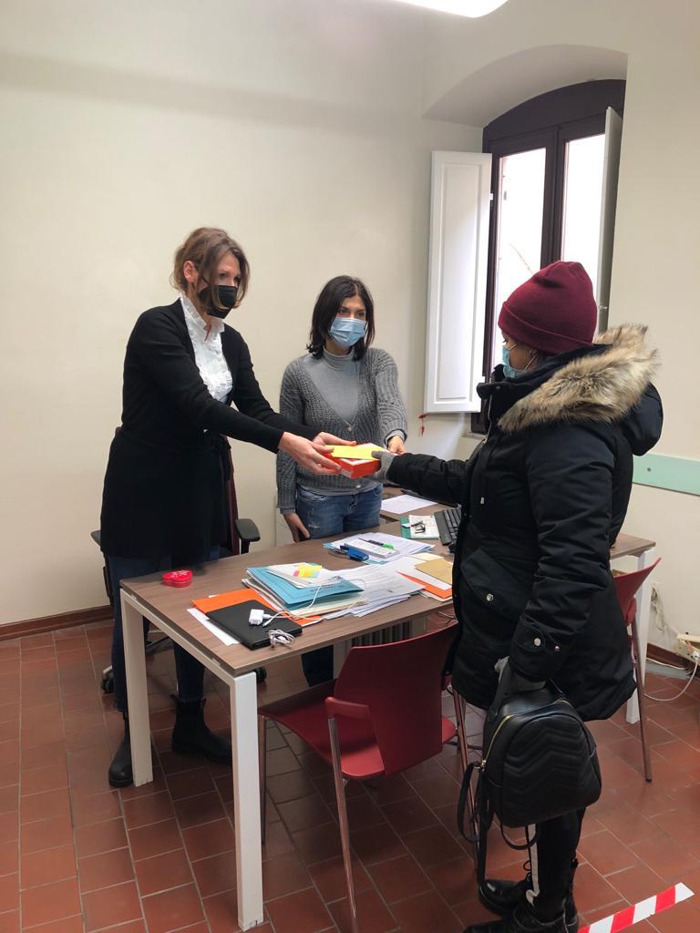 Il Lions Club Cortona Valdichiana Host dona 3 tablet per la didattica a distanza