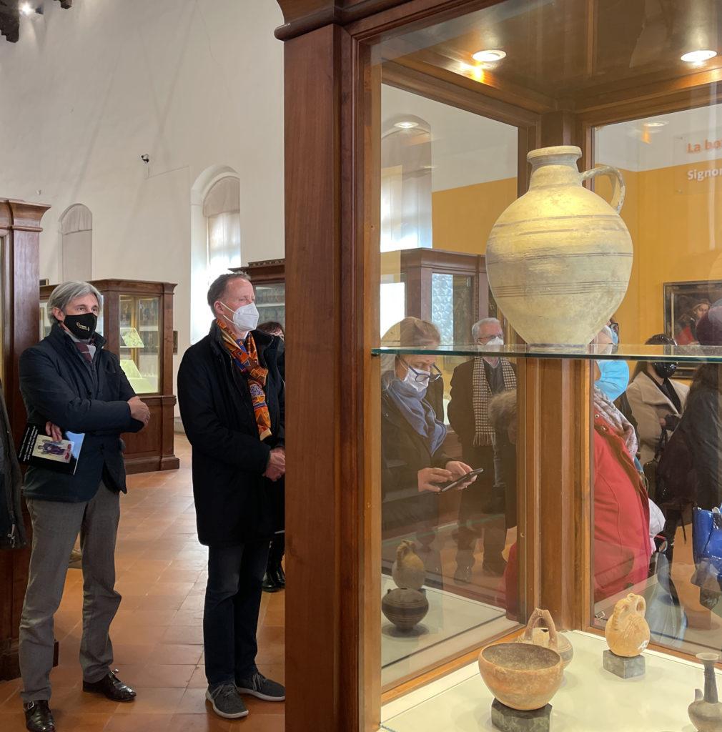 Tornano le mostre al Maec: dal 23 aprile «Luci dalle tenebre, dai lumi degli Etruschi ai bagliori di Pompei»