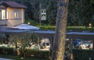 La Magnolia e Armani/ristorante inedita cartolina dalla Versilia